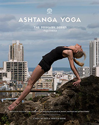 Ashtanga Yoga Primary Series by Linda Munro & Gerald Disse